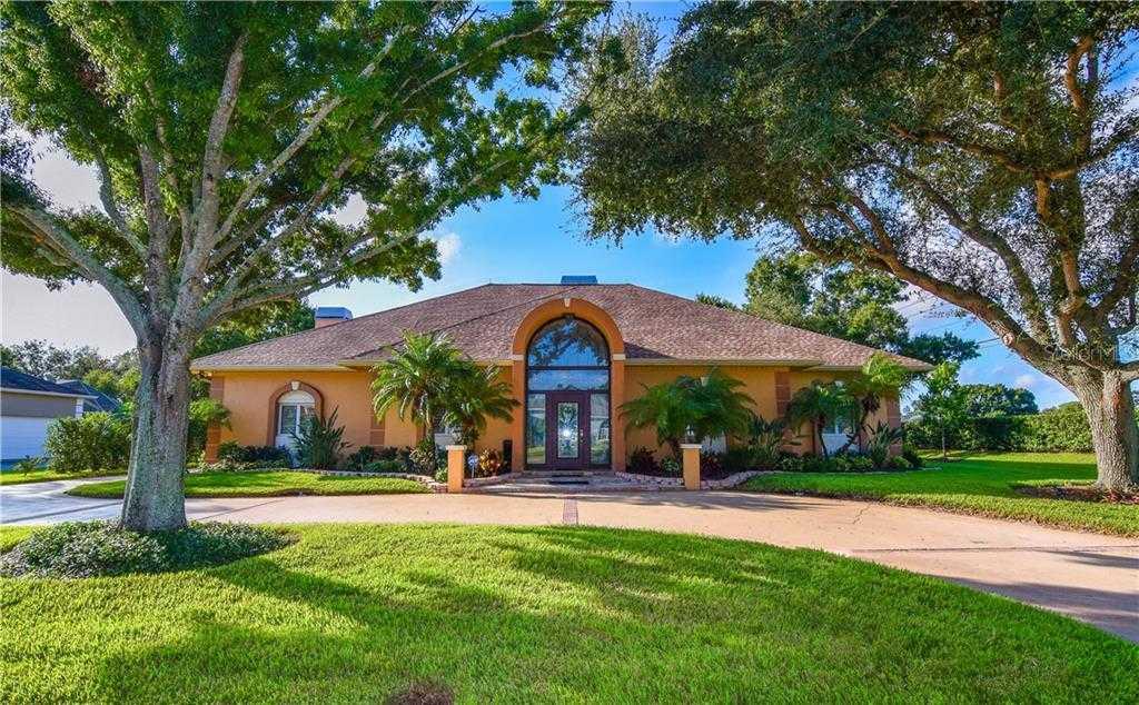 $725,000 - 4Br/4Ba -  for Sale in Burning Tree Estates, Seminole