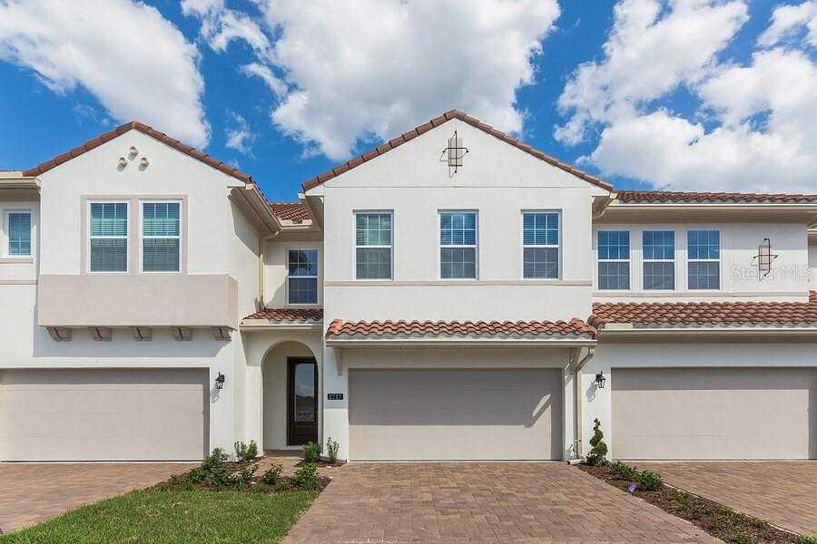 $334,132 - 3Br/3Ba -  for Sale in Estates At Sweetwater Country Club Townhomes, Apopka