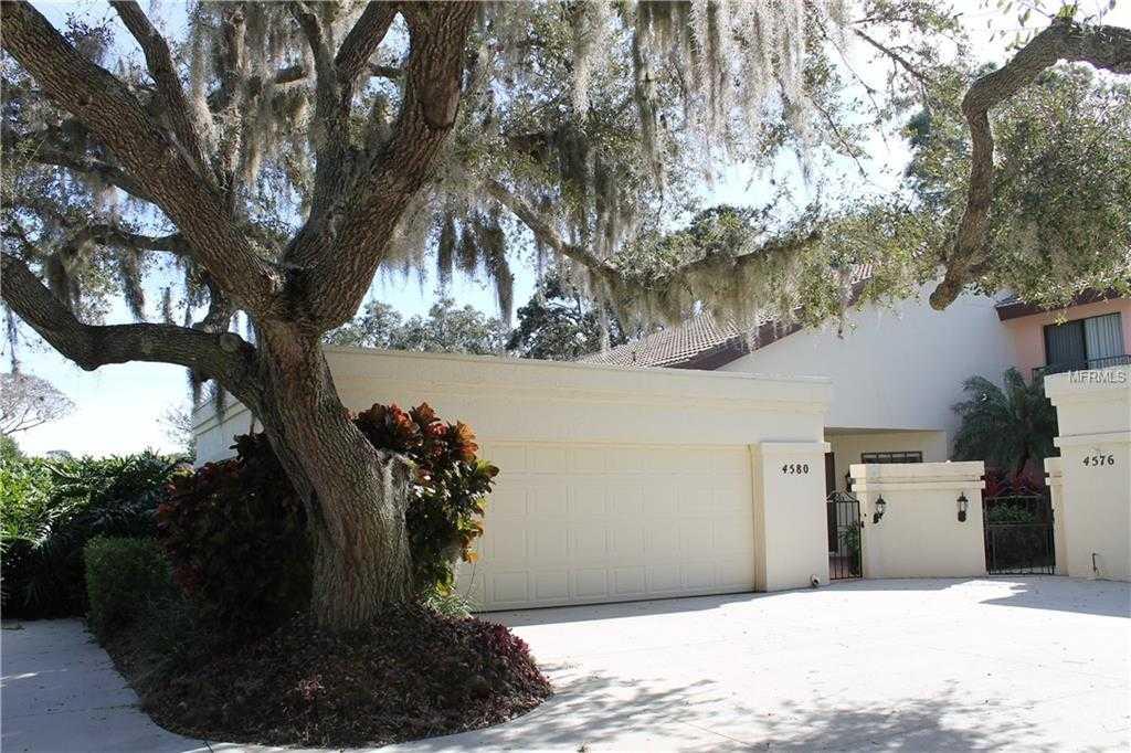 $319,000 - 3Br/2Ba -  for Sale in Longwood Villas Unit 1, Sarasota