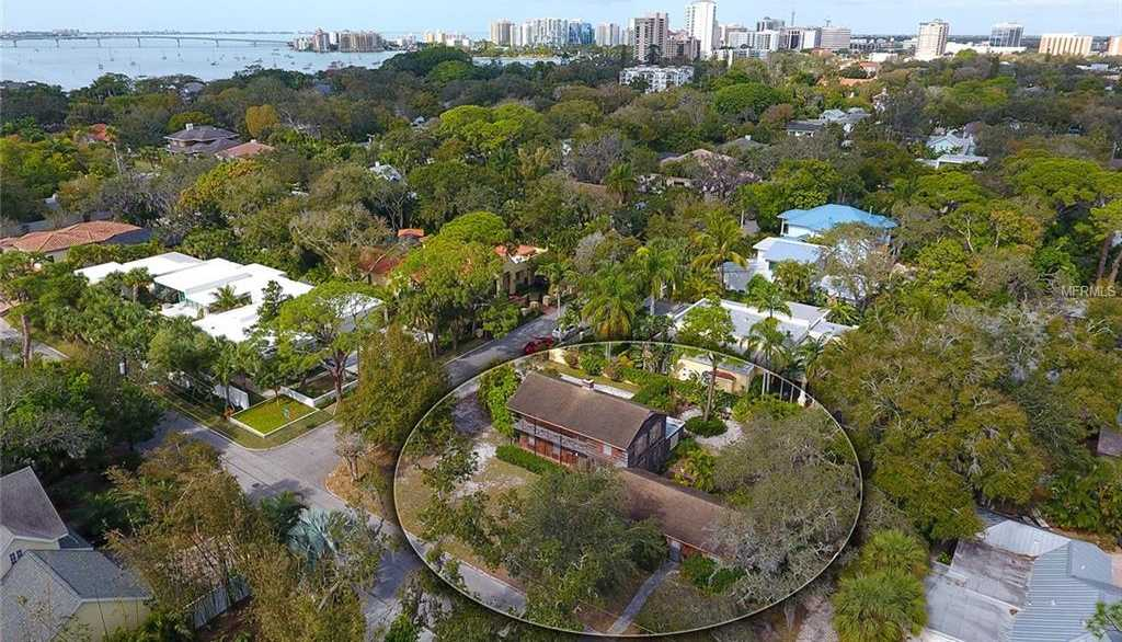 $749,900 - 3Br/3Ba -  for Sale in Bungalow Hill, Sarasota