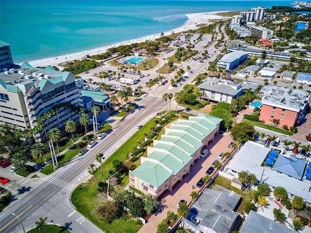 $750,000 - 3Br/3Ba -  for Sale in Sand Dollar South, Sarasota