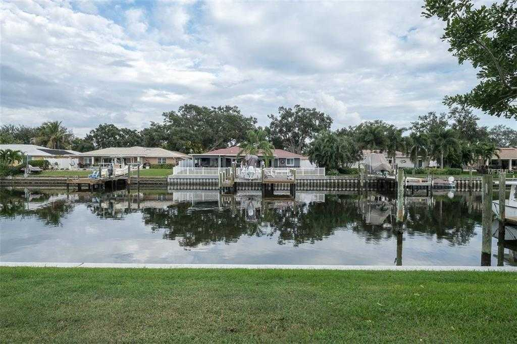 $272,900 - 3Br/3Ba -  for Sale in Mariners Pass, St Petersburg