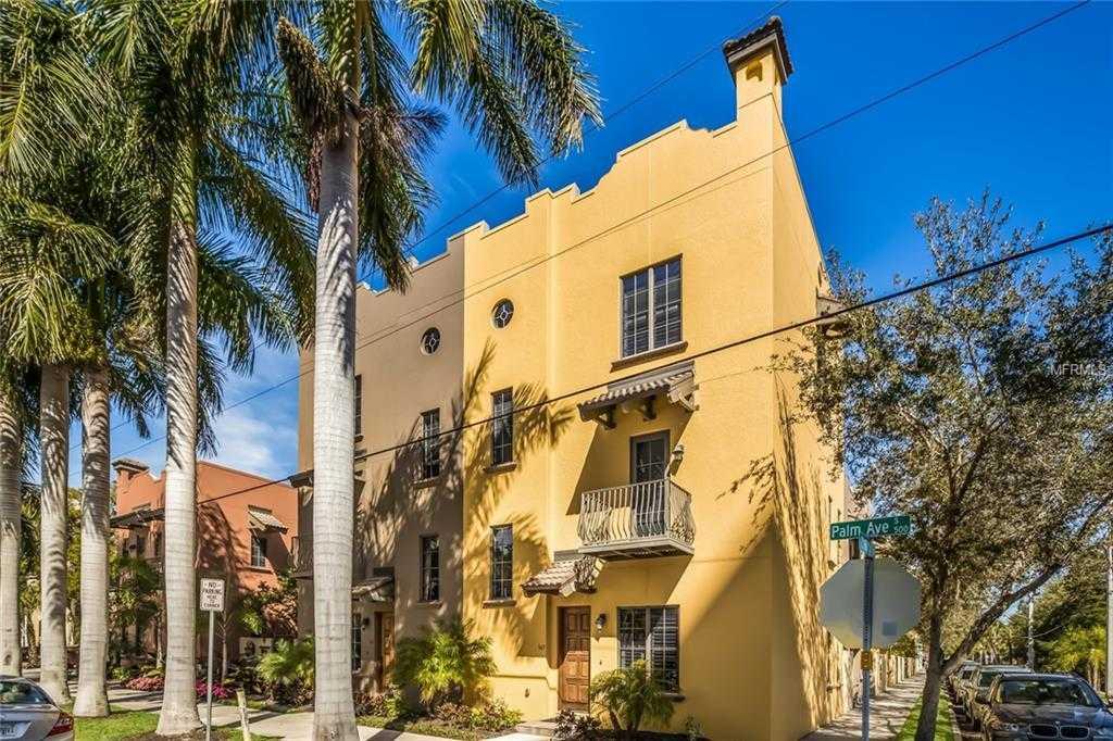 $895,000 - 3Br/3Ba -  for Sale in Burns Court Villas, Sarasota