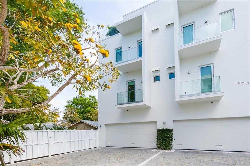$895,000 - 3Br/4Ba -  for Sale in Orange Club, Sarasota