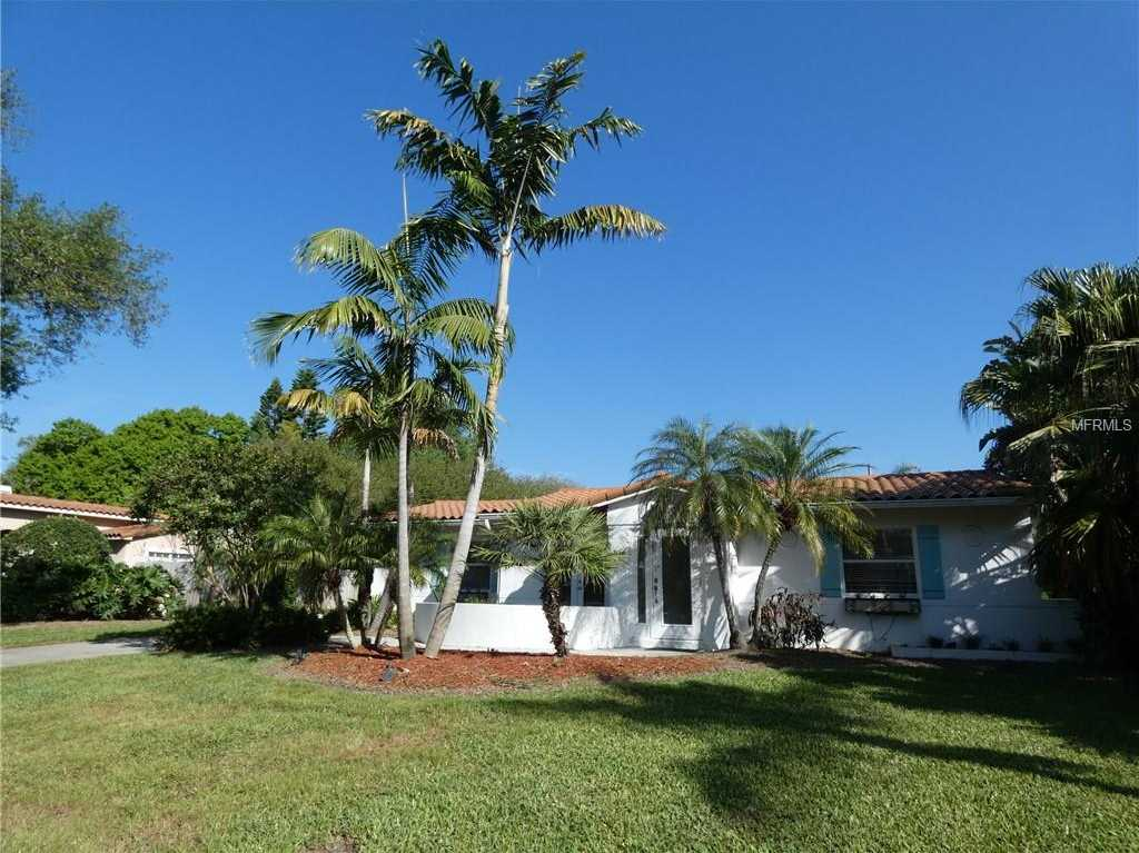 - 3Br/3Ba -  for Sale in Snell Isle Brightbay, St Petersburg