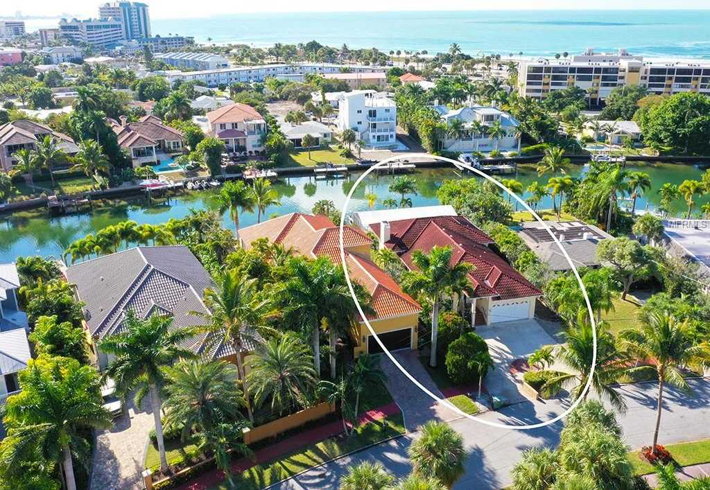 $1,650,000 - 3Br/2Ba -  for Sale in Saint Armands Div John Ringling Estates, Sarasota