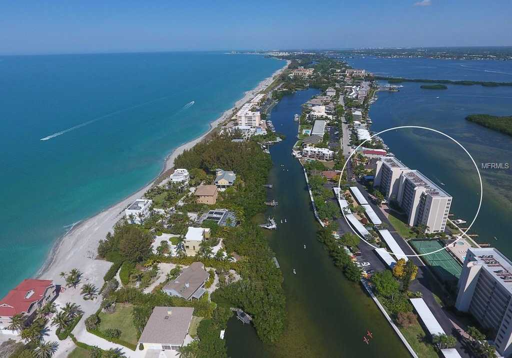 $300,000 - 1Br/1Ba -  for Sale in Pointe On Midnight Pass, Sarasota