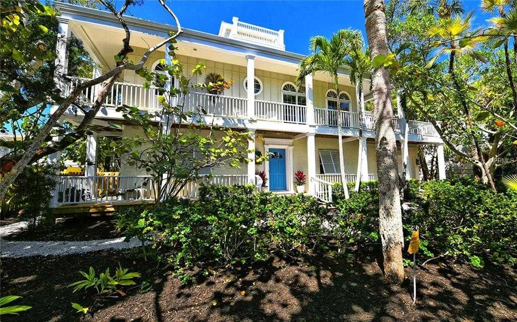 $899,000 - 4Br/3Ba -  for Sale in Bay Island Park, Sarasota