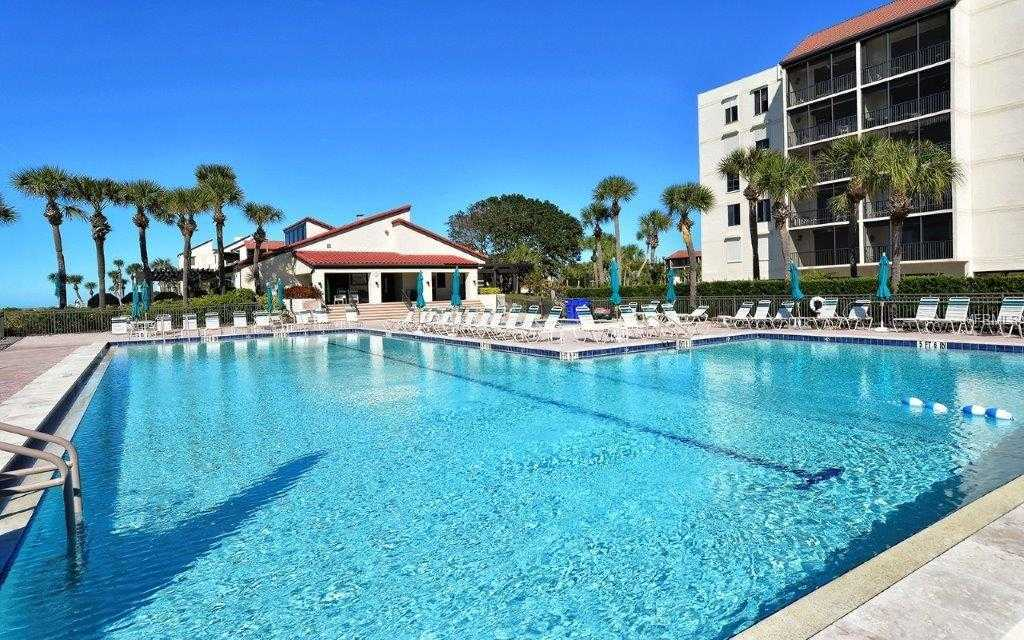$529,000 - 2Br/2Ba -  for Sale in Seaplace V, Longboat Key