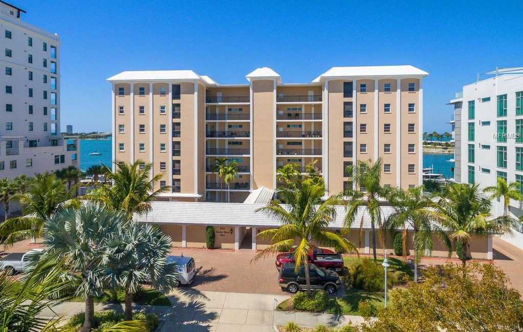 $575,000 - 2Br/2Ba -  for Sale in Harbor House West, Sarasota