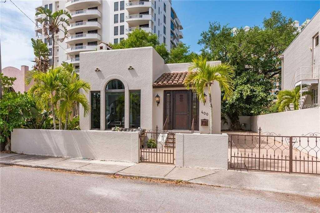 $875,000 - 2Br/3Ba -  for Sale in Burns Court, Sarasota