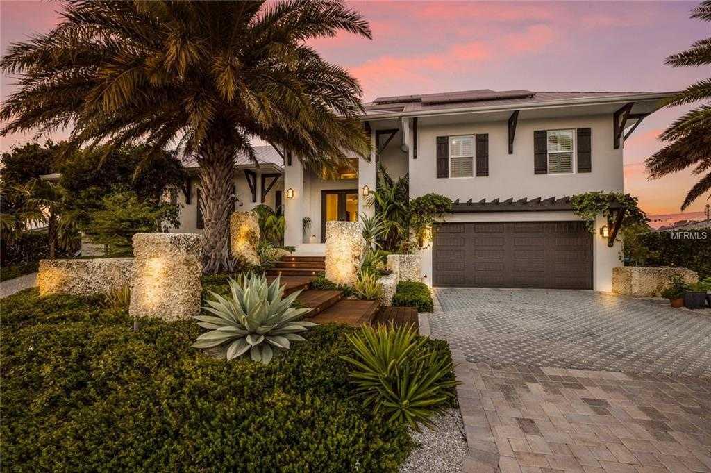 $1,949,500 - 3Br/4Ba -  for Sale in Key Royale 9th Add, Holmes Beach