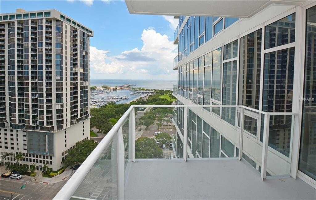- 2Br/3Ba -  for Sale in Signature Place Condo, St Petersburg