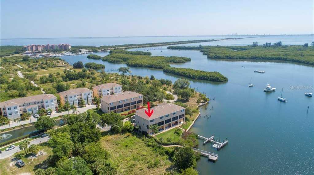 $489,900 - 3Br/3Ba -  for Sale in Venetian Harbor, St Petersburg