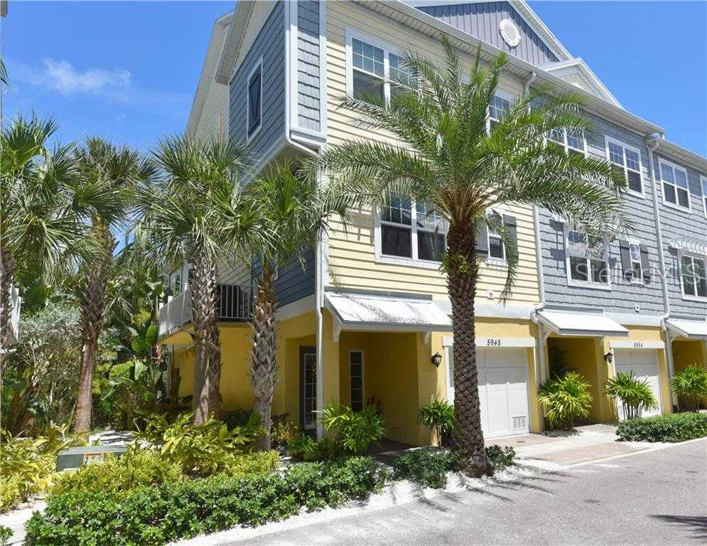 $438,500 - 4Br/3Ba -  for Sale in Cove At Loggerhead Marina, St Petersburg