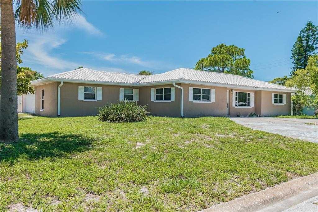 $585,000 - 4Br/3Ba -  for Sale in St Petersburg Beach 1st Add, St Pete Beach