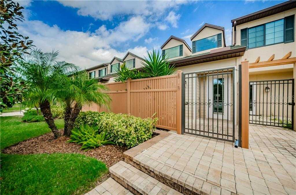 $449,900 - 2Br/3Ba -  for Sale in Highland Courtyard Twnhms Unit One, St Petersburg