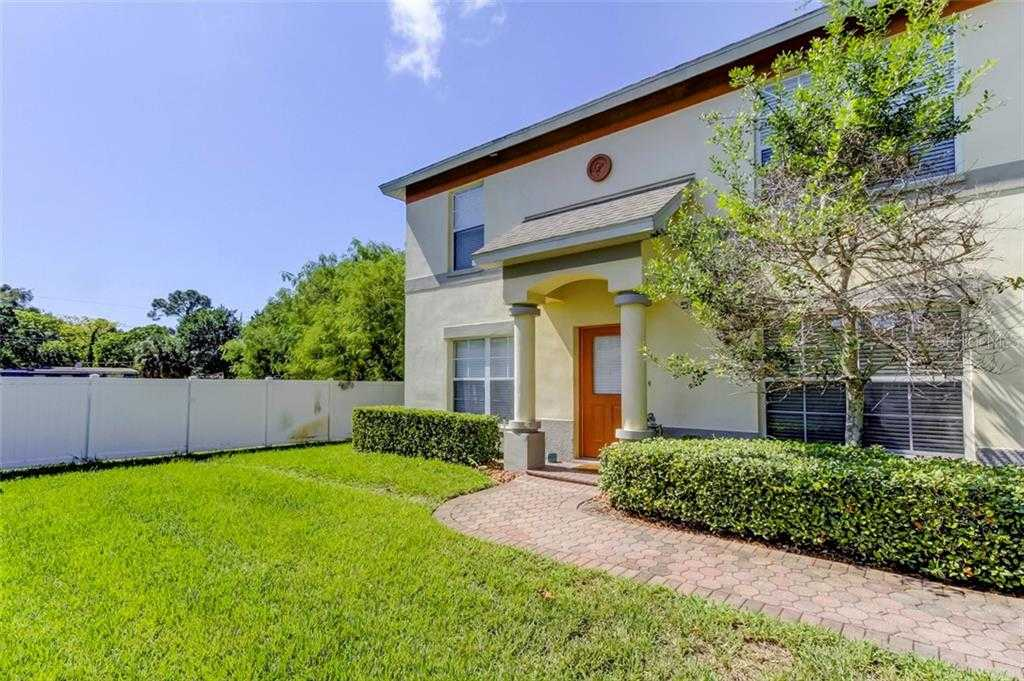 $165,000 - 3Br/3Ba -  for Sale in Coquina Key Twnhms, St Petersburg