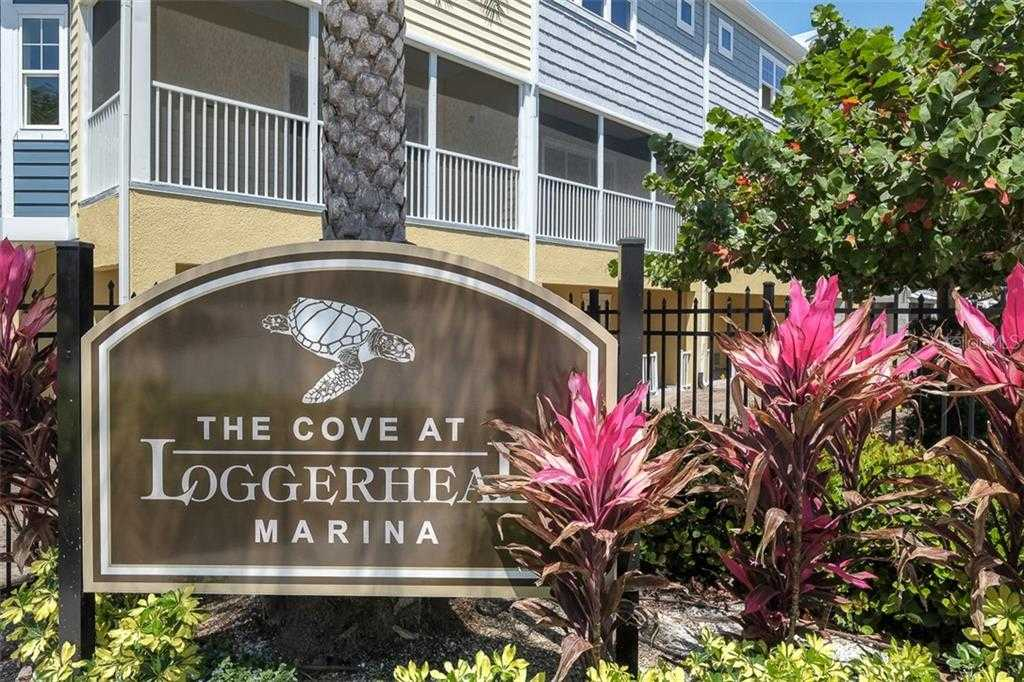 $425,000 - 4Br/3Ba -  for Sale in Cove At Loggerhead Marina, St Petersburg