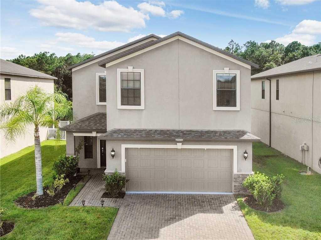 $300,000 - 4Br/3Ba -  for Sale in Live Oak Preserve, Tampa