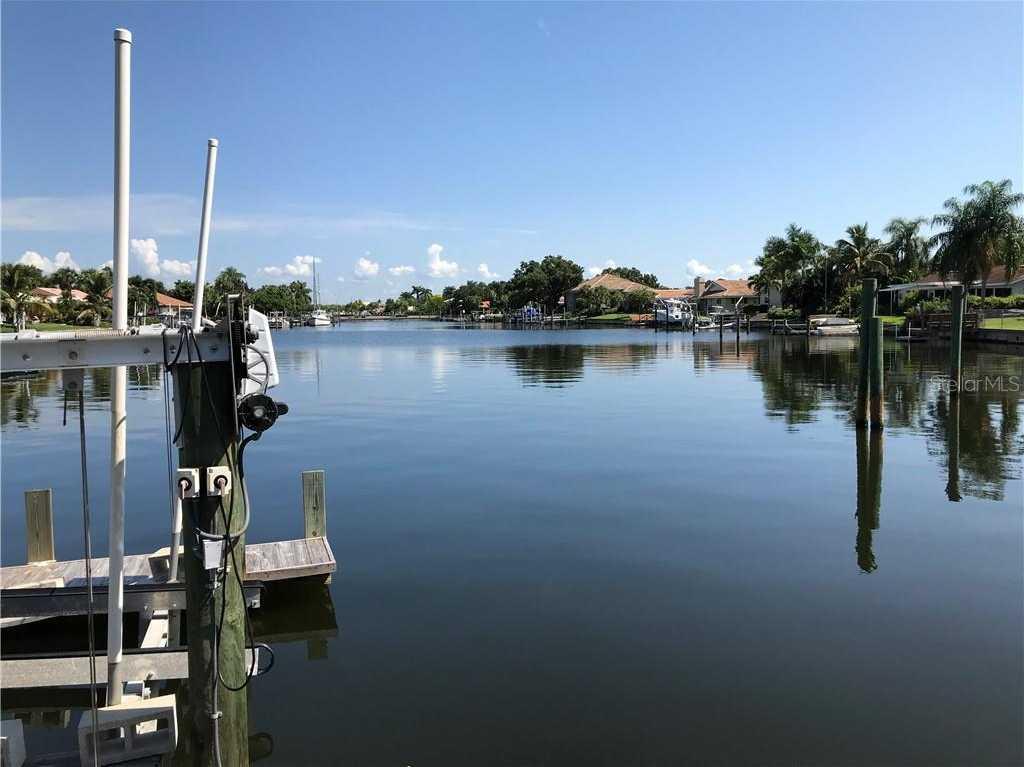 $763,200 - 4Br/4Ba -  for Sale in Venetian Isles, St Petersburg