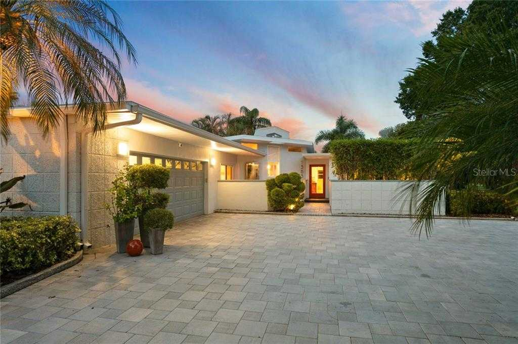 $1,100,000 - 3Br/3Ba -  for Sale in Snell Isle Shores Add, St Petersburg