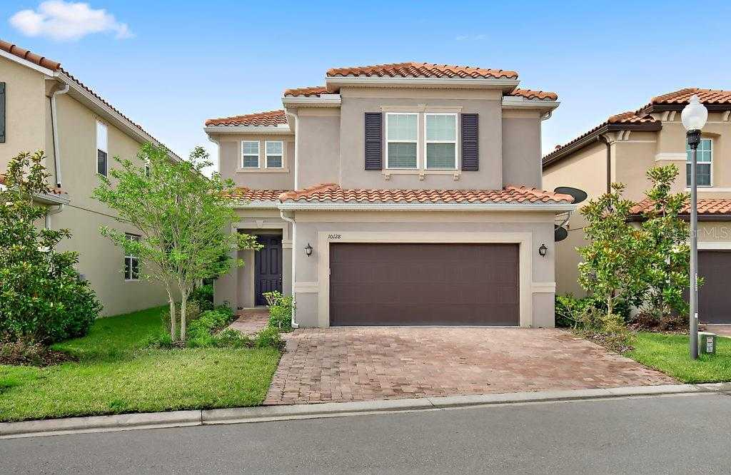 $469,900 - 4Br/3Ba -  for Sale in Cove At Bay Pines, Madeira Beach