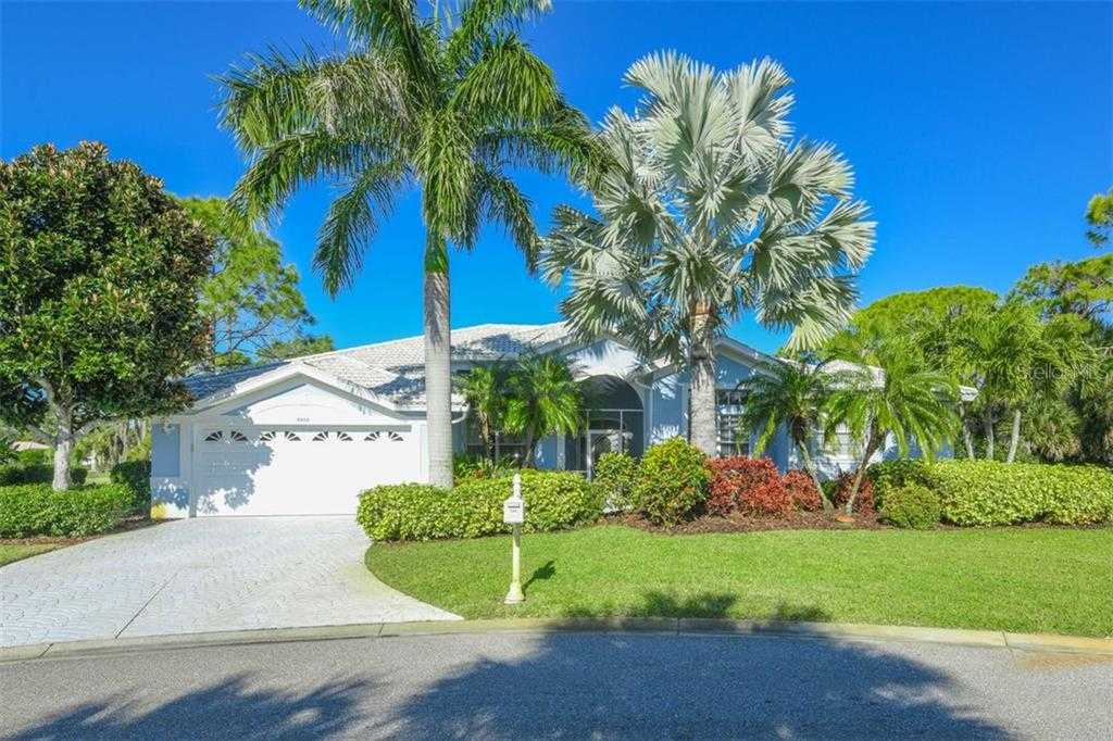 $599,900 - 4Br/3Ba -  for Sale in Stoneybrook Golf & Country Club, Sarasota
