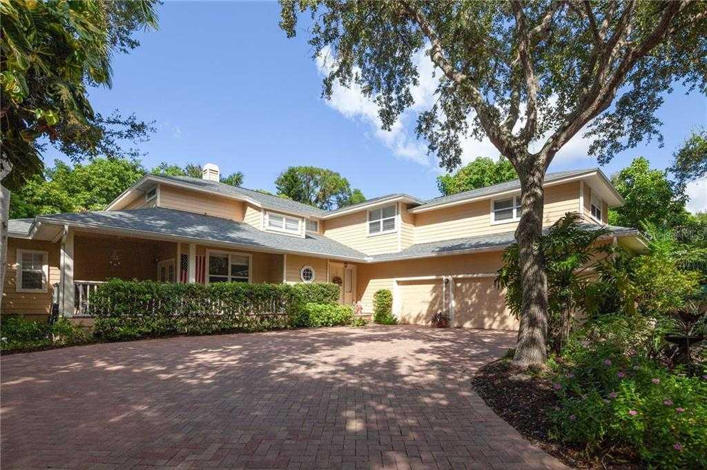 $1,300,000 - 4Br/4Ba -  for Sale in None, Sarasota