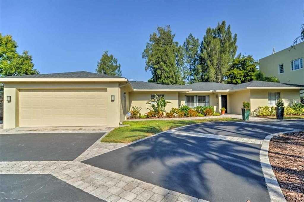 $799,000 - 4Br/3Ba -  for Sale in Sapphire Shores Resub, Sarasota