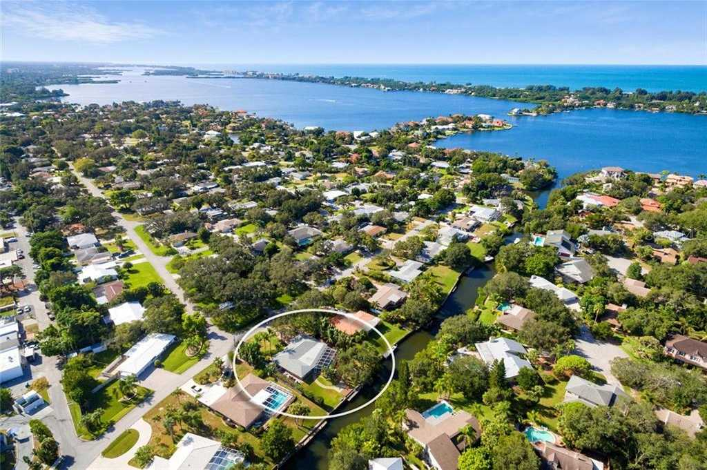 $749,000 - 2Br/2Ba -  for Sale in Coral Cove, Sarasota