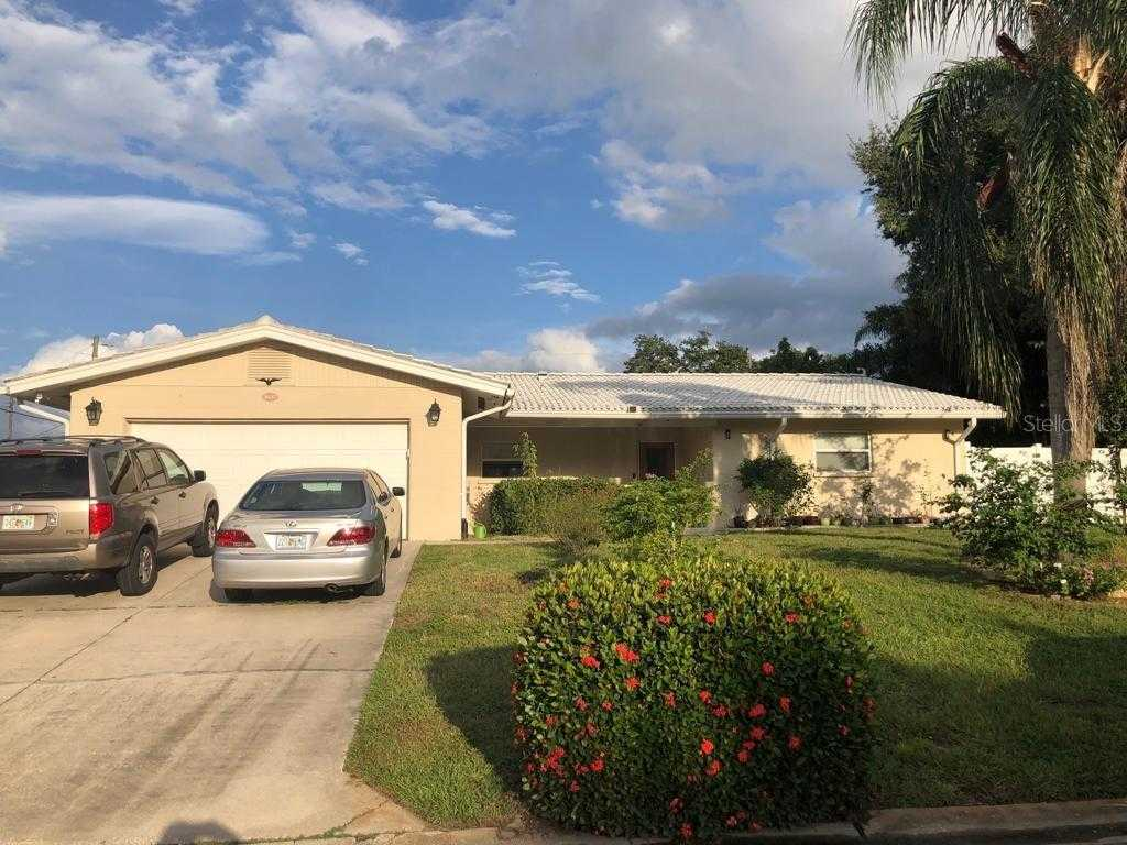 $488,000 - 3Br/3Ba -  for Sale in South Gate, Sarasota