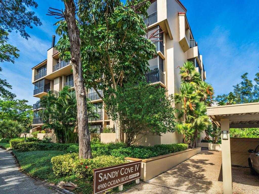 $450,000 - 2Br/2Ba -  for Sale in Sandy Cove Iv, Sarasota