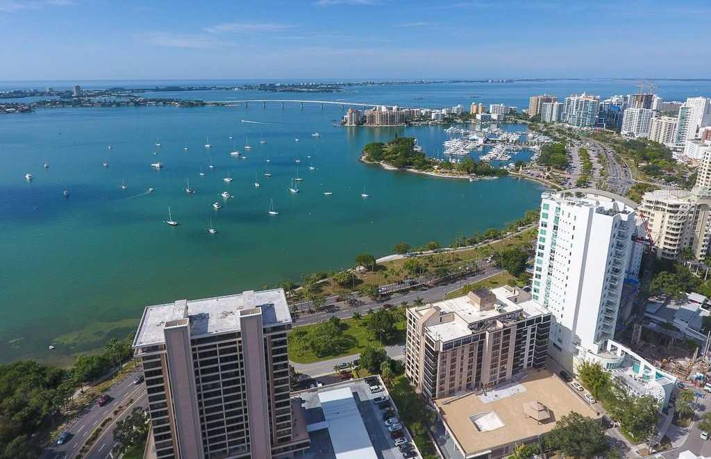 $575,000 - 2Br/2Ba -  for Sale in Embassy House, Sarasota