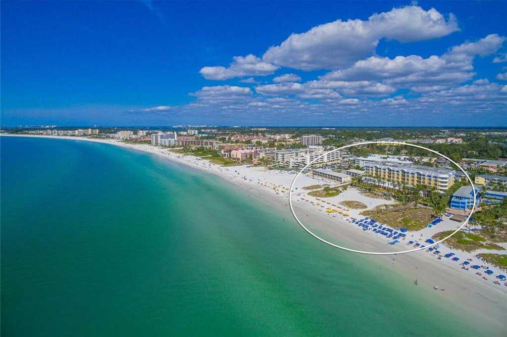 $2,475,000 - 4Br/3Ba -  for Sale in Siesta Key Beach Residences Ii, Sarasota