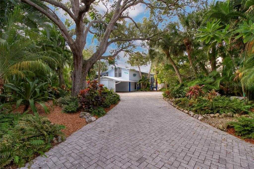 $830,000 - 3Br/2Ba -  for Sale in Siesta Beach, Sarasota