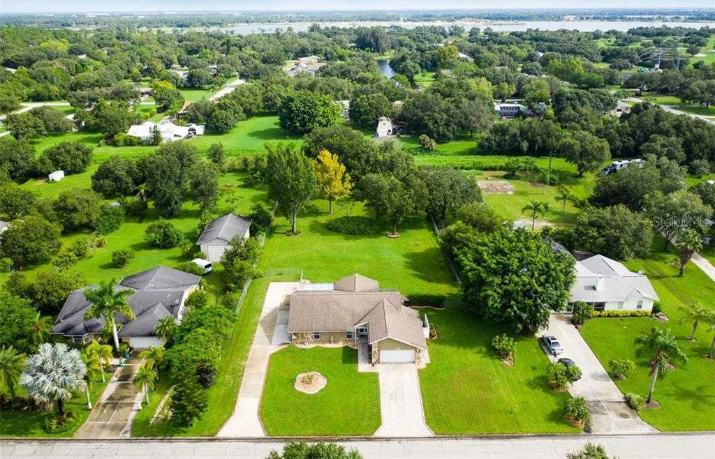 $469,777 - 3Br/2Ba -  for Sale in Racimo Ranches, Sarasota