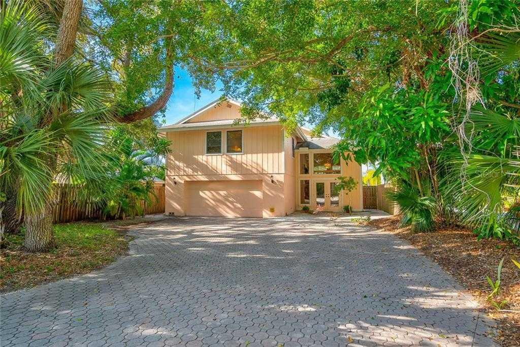 $719,900 - 3Br/2Ba -  for Sale in Heron Lagoon, Sarasota