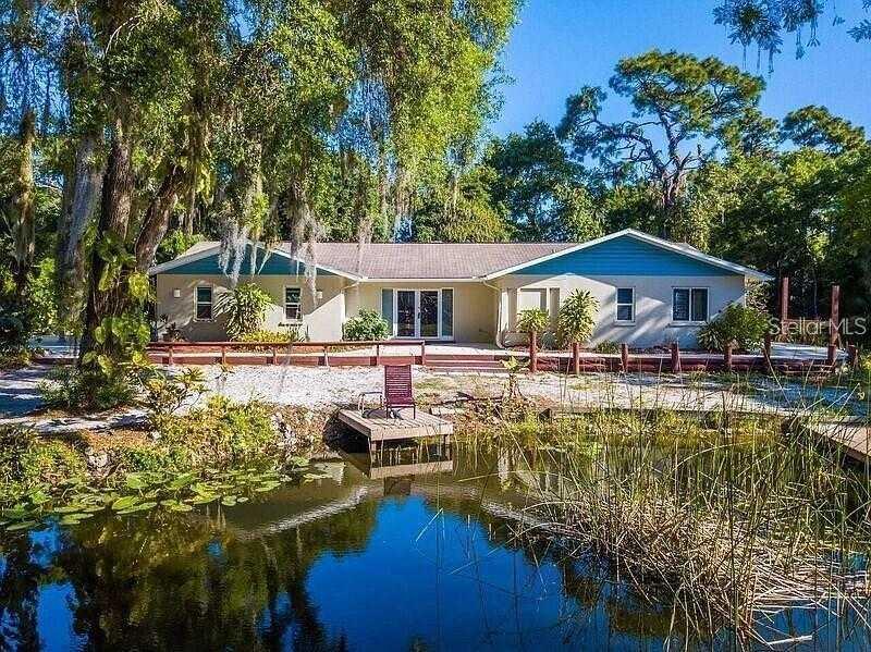 $465,000 - 4Br/3Ba -  for Sale in Desoto Acres, Sarasota