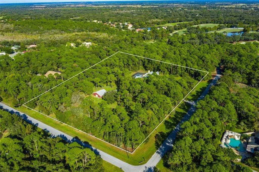 $989,000 - 5Br/5Ba -  for Sale in Gator Creek Estates, Sarasota