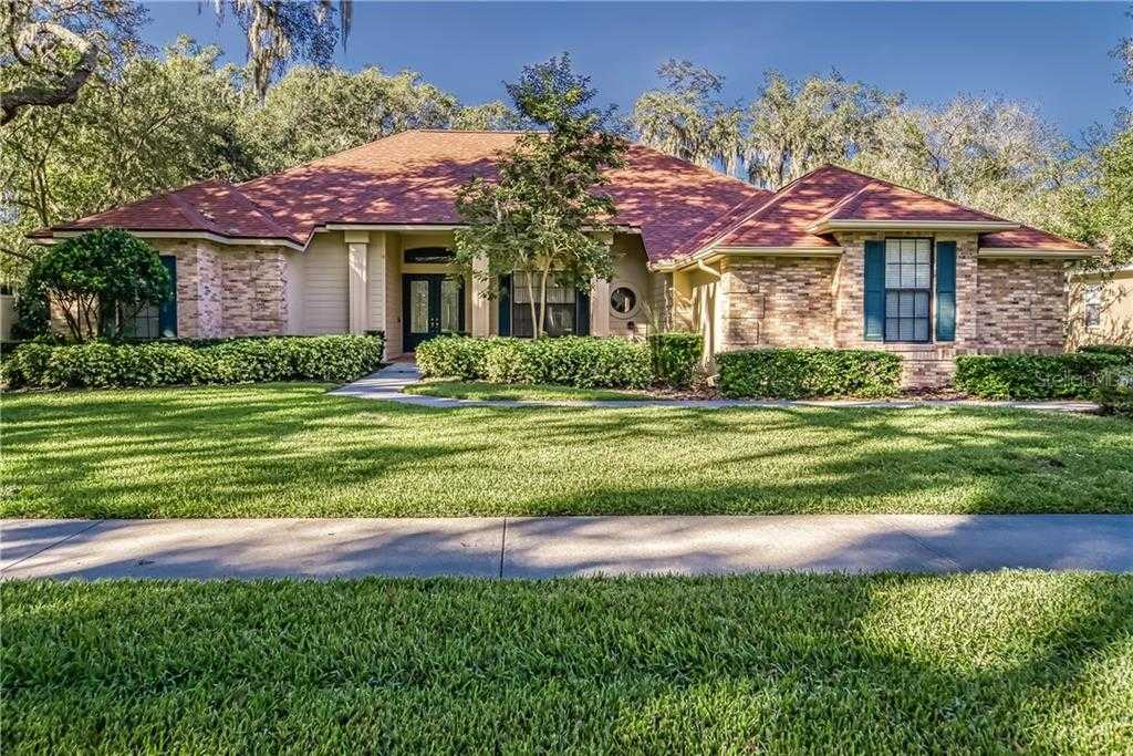 $430,000 - 4Br/3Ba -  for Sale in Canterbury Oaks, Valrico