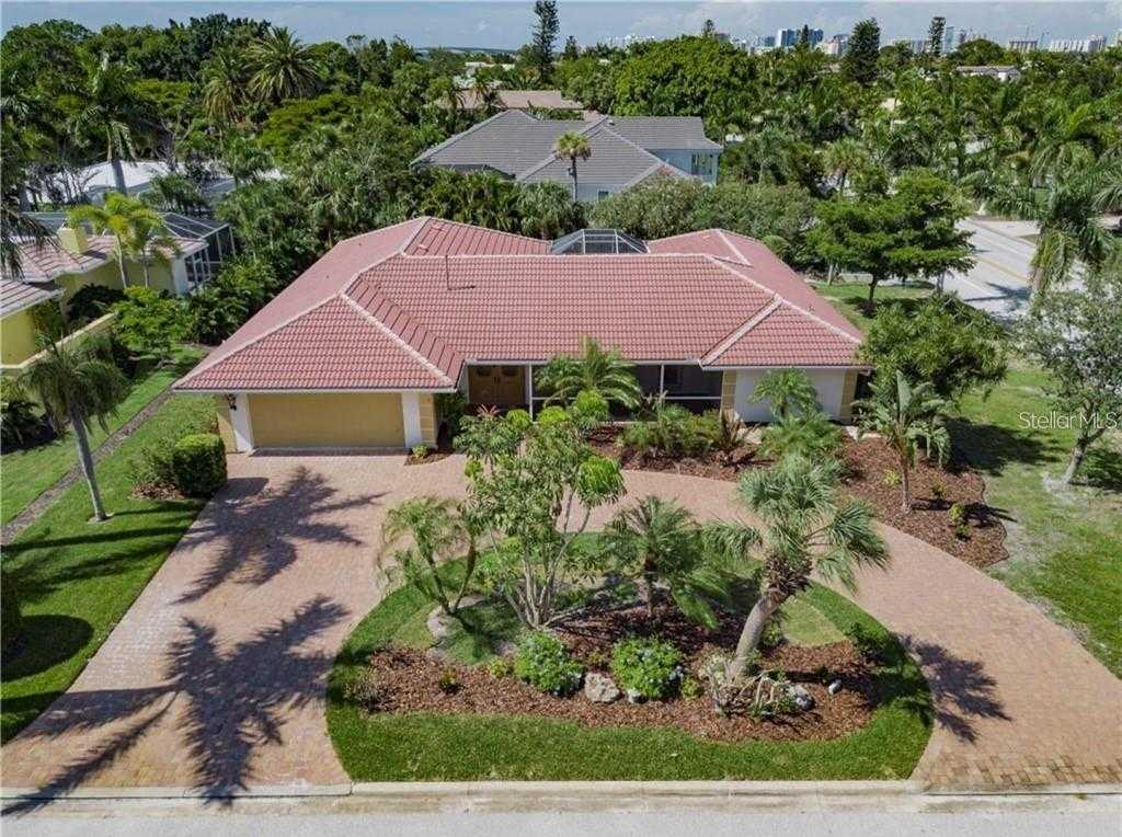 $849,900 - 4Br/4Ba -  for Sale in Bird Key Sub, Sarasota