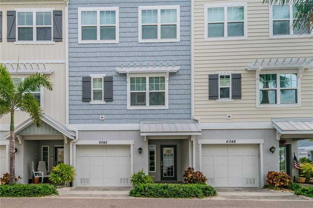 $425,000 - 3Br/3Ba -  for Sale in Cove At Loggerhead Marina, St Petersburg