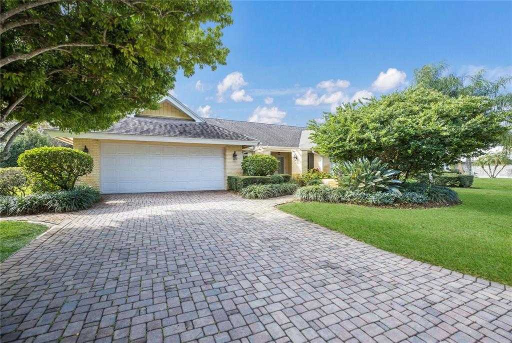 $599,900 - 4Br/3Ba -  for Sale in Country Club Of Sarasota The, Sarasota
