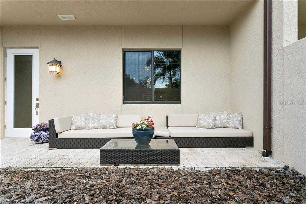 $485,000 - 3Br/3Ba -  for Sale in Highland Courtyard Twnhms Unit One, St Petersburg