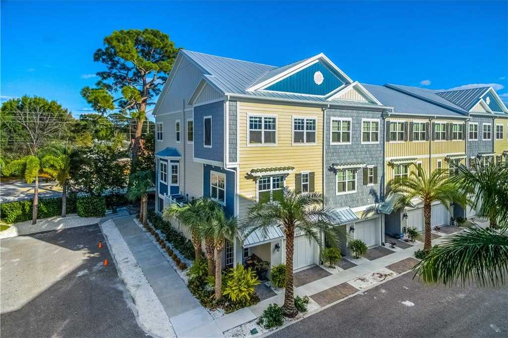 $429,000 - 3Br/3Ba -  for Sale in Cove At Loggerhead Marina, St Petersburg