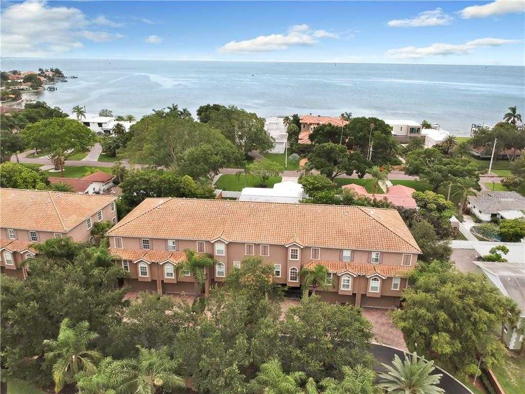 $539,900 - 4Br/4Ba -  for Sale in Sun Ketch Twnhms At Venetian Isles, St Petersburg