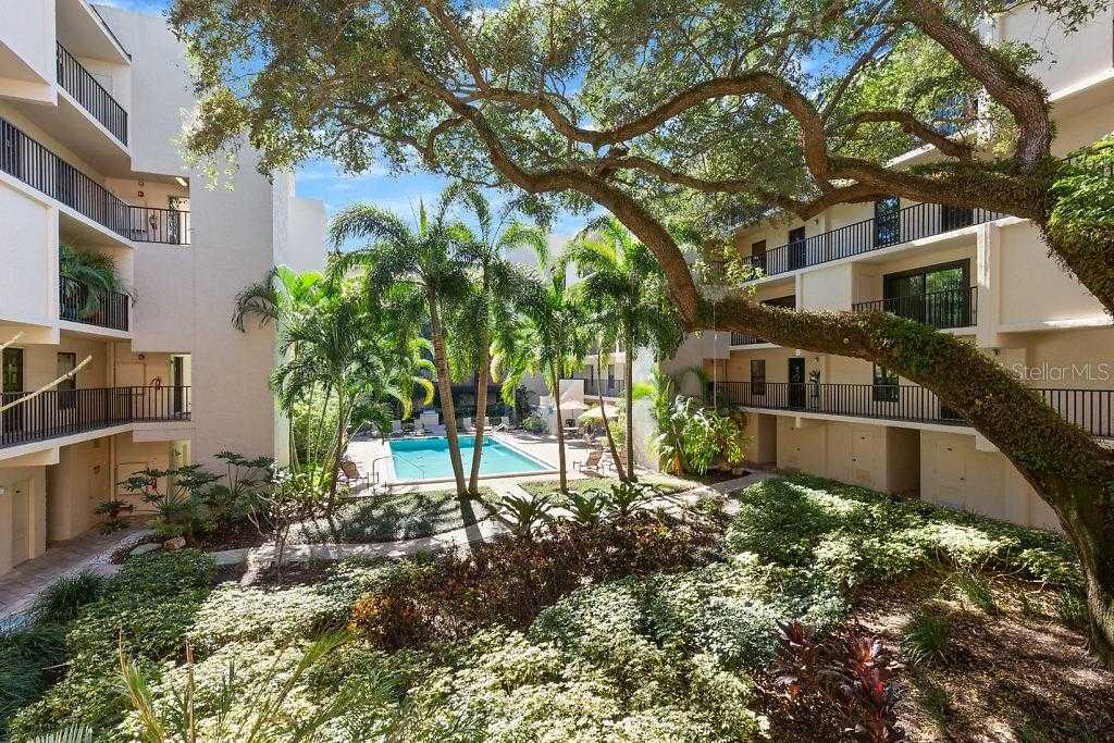 $493,000 - 2Br/2Ba -  for Sale in Townview Condo, St Petersburg