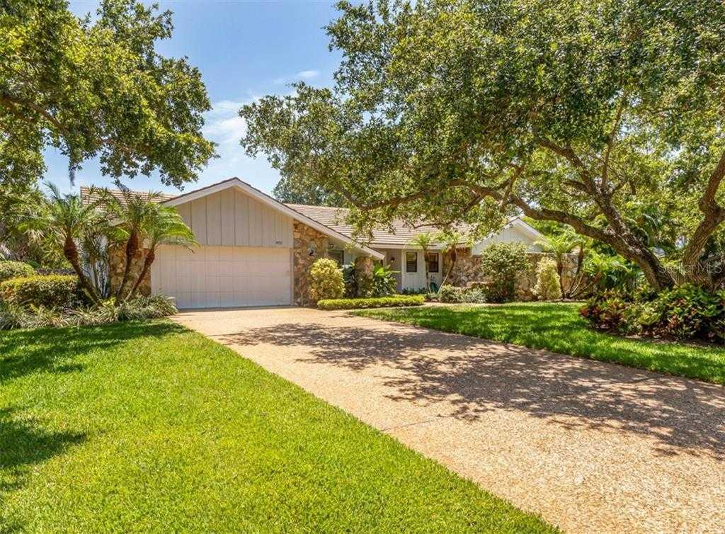 $725,000 - 3Br/3Ba -  for Sale in The Landings, Sarasota