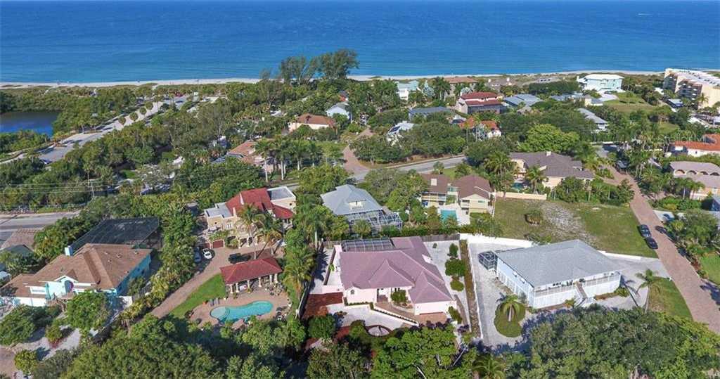$1,085,000 - 4Br/3Ba -  for Sale in Tortoise Estates, Sarasota